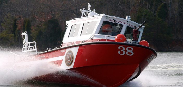 01.31.11.Charlotte fireboat 1