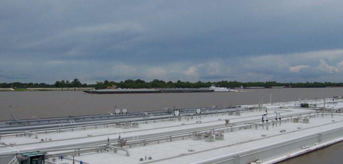 10.18.11.fmt-barge