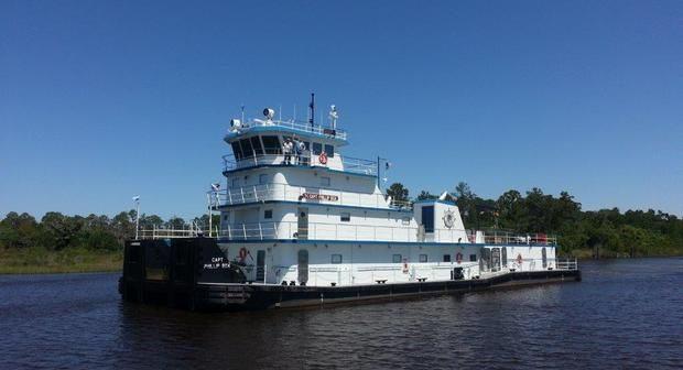 06.10.14_towboat