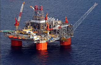 A semisubmersible platform in BPu2019s Thunder Horse development in the Gulf of Mexico. Creative Commons photo by Andyminicooper.
