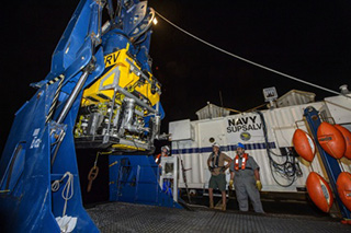 Search crews maneuver the CURV-21 ROV into the water during the El Faro search. Photo: U.S. Navy/Specialist 2nd Class John Paul Kotara II