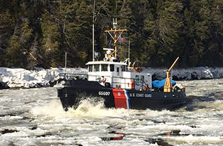 Icebreaking cutter Bridle on Penobscot Bay in March 2015. USCG photo.