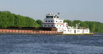 A towboat on the Mississippi River at Dubuque, Iowa. Subchapter M has established towing vessel safety regulations for the first time. Creative Commons photo by D. Michael Burns.