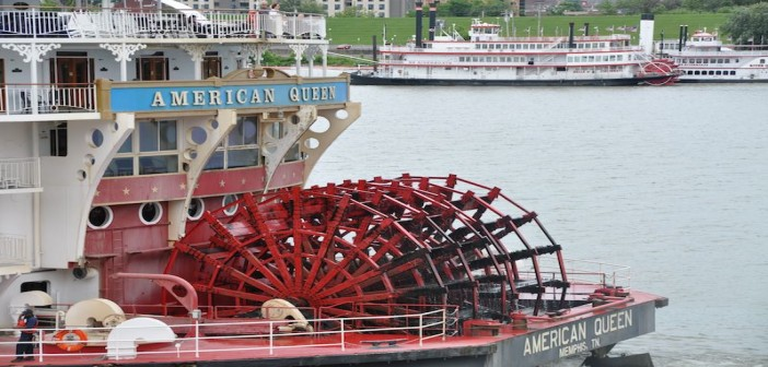 The American Queen, with the Belle of Cincinnati and the River Queen in the foreground, in Cincinnati. Photo by David Krapf.