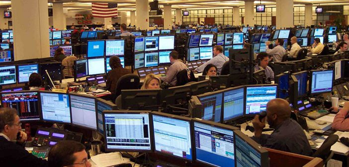 Oil traders at work in Houston. Creative Commons photo by Oil Industry News.