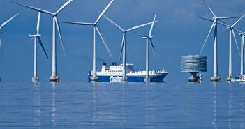 The Lilligrund wind farm off Sweden. Siemens photo