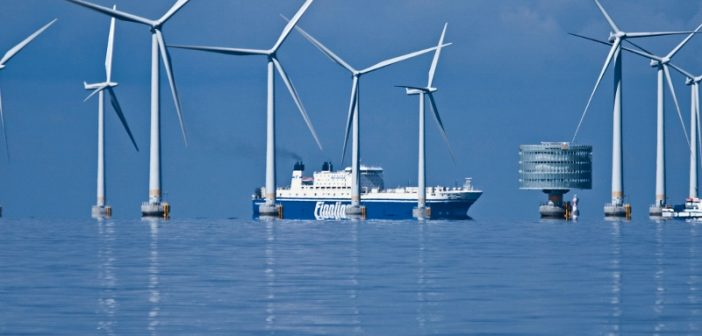 The Lilligrund wind farm off Sweden. Siemens photo