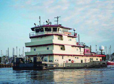 The towboat Dan Reeves