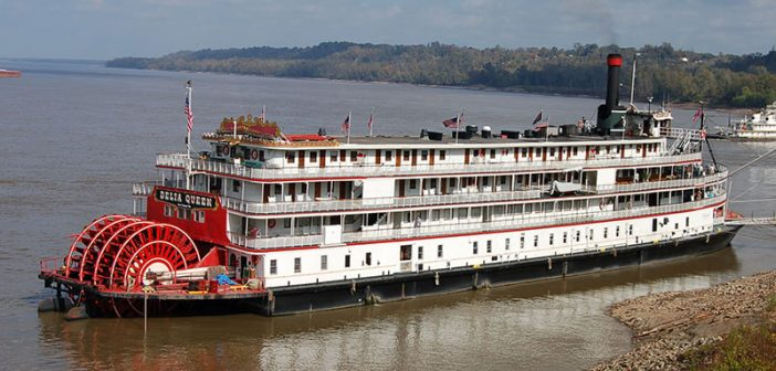The Delta Queen in Natchez, Miss., in 2007. Creative Commons photo by Joe Ross.