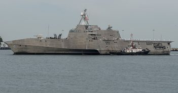 The littoral combat ship Coronado (LCS 4), among the vessels that have suffered propulsion problems, arrives at Changi Naval Base, Singapore in October 2016. U.S. Navy photo.