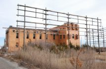 The abandoned transmitter building at the WOO high seas radio site at Ocean Gate, N.J. Kirk Moore photo.