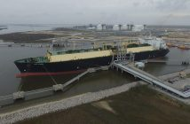 Loading of the first commissioning cargo at Cheniere Energy's Sabine Pass LNG Terminal in Louisiana, February 2016. Cheniere Energy Photo.