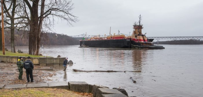 The tugboat Meredith C. Reinauer and barge RTC 150 aground off Dutchman's Landing Park at Catskill, NY. Philip Kamrass/ Office of Governor Andrew M. Cuomo.
