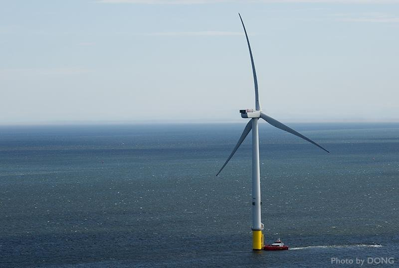 A Dong Energy turbine off Denmark. Dong Energy photo.