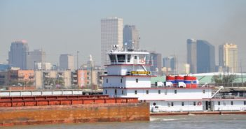 A Lower Miss barge tow. Photo by David Krapf