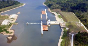 The barge industry is facing its share of challenges in 2019. Corps of Engineers photo