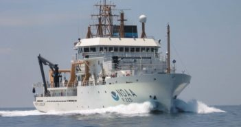 The NOAA research vessel Henry B. Bigelow. NOAA photo.
